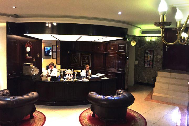 Hotel Queen Astoria